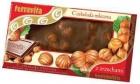 молочный шоколад с цельными лесными орехами