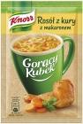 Taza caliente de sopa de sopa de pollo en polvo con fideos