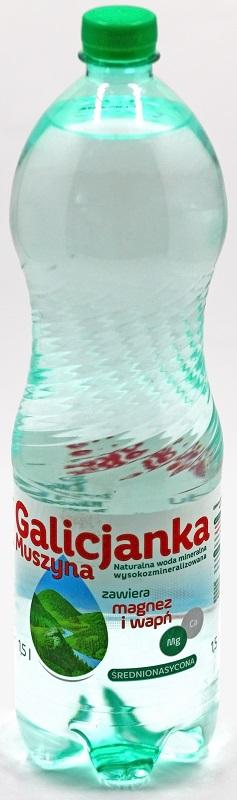 l'eau minérale naturelle de calcium-magnésium - alcaline średnionasycona co2