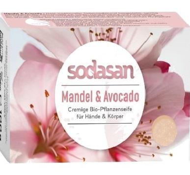 Savon cosmétique bio avec le parfum de bio amande