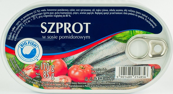grand sprat de poisson à la sauce tomate
