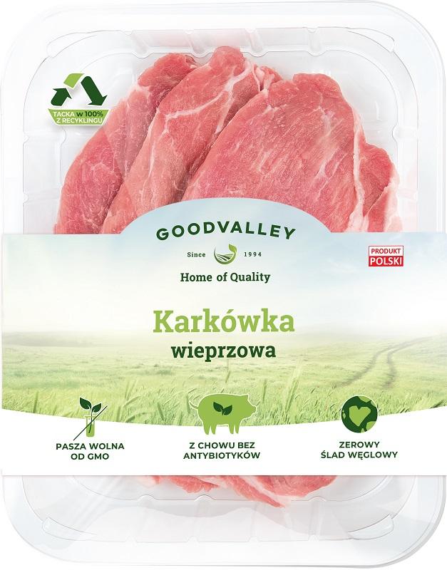 Rebanado del cerdo a partir de cultivos sin el uso de antibióticos y sin OMG. Alimentos primer