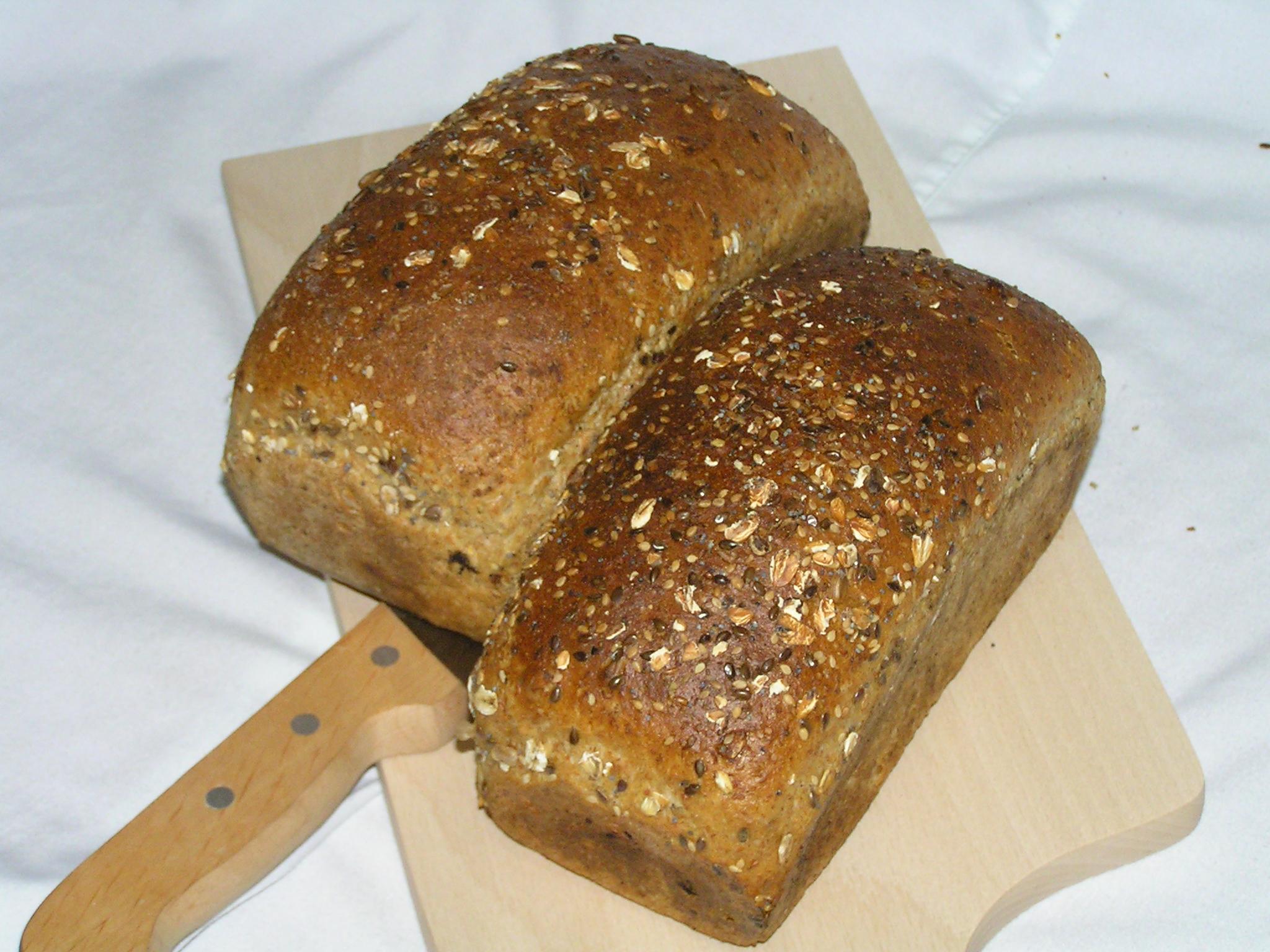 G.S. Żukowo chleb Razowy ze słonecznikiem krojony