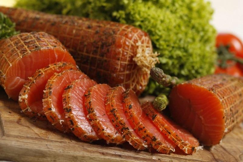 Rafa Polędwica Bosmańska z łososia wędzona na zimno  pakowana próżniowo