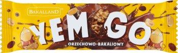 Bakalland YEMGO baton z prażonymi orzechami arachidowymi, rodzynkami, żurawiną kandyzowaną i chrupkami zbożowymi oblany czekoladą mleczną